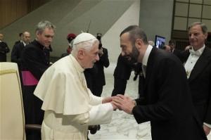 Il Maestro Simone Baiocchi a colloquio con Sua Santità Papa Benedetto XVI